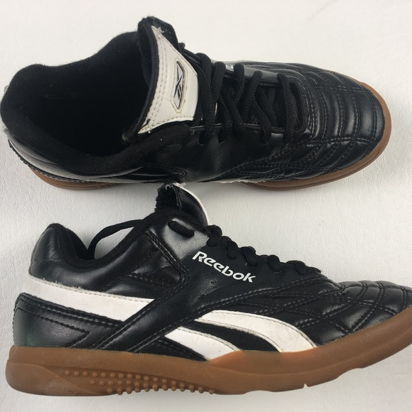 226a1271 Reebok Classic Gum Sole Shoes DR01126